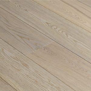 Engineered Hardwood Flooring in Vista Colorway European Oak